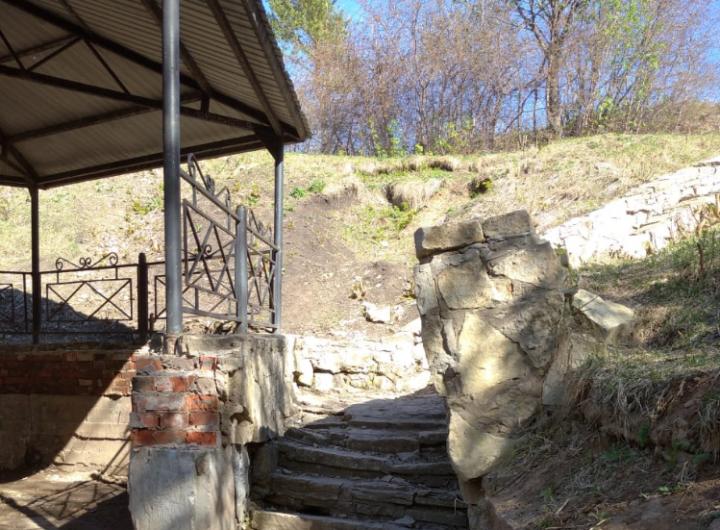 Возле Гуляй-парка Елабуги благоустроят родник «Серебристый»