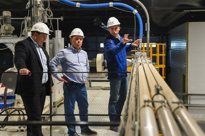 Айдар Метшин оценил строительство первого в России завода микрофибры в Нижнекамске