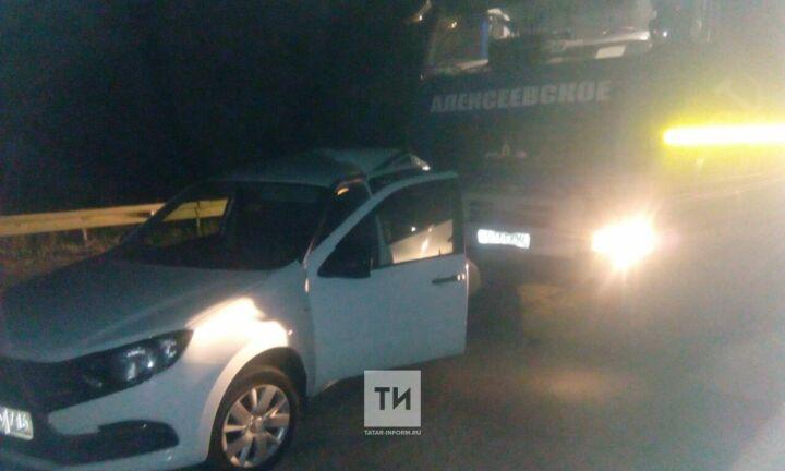 Молоковоз раздавил водителя легковушки, который вышел из авто на трассе под Казанью