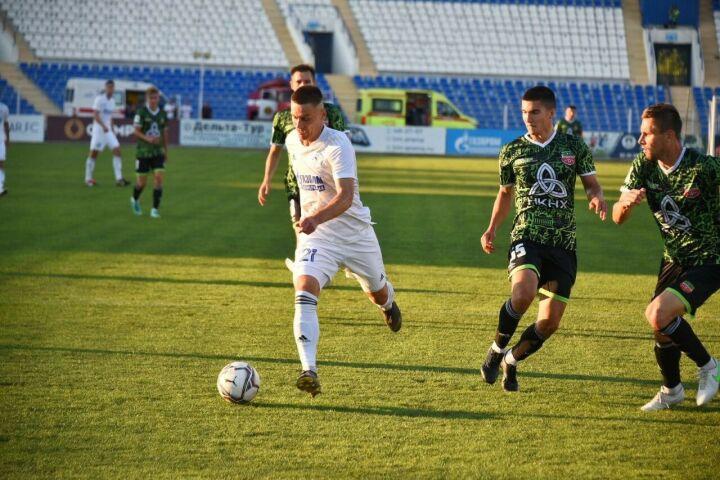 Футбольный «Нефтехимик» потерпел первое поражение в сезоне