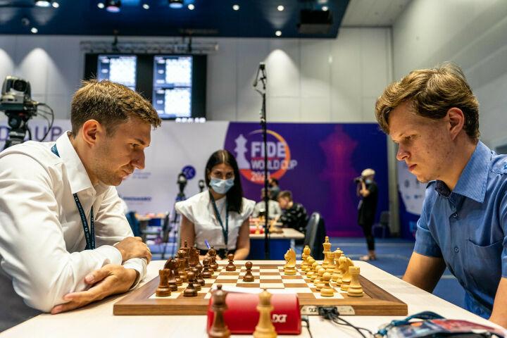 Казанец Артемьев уступил вице-чемпиону мира Карякину в 1/16 финала Кубка мира по шахматам