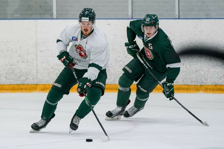Хоккеисты «Ак Барса» провели тренировочный матч: «белые» взяли реванш у «зеленых»