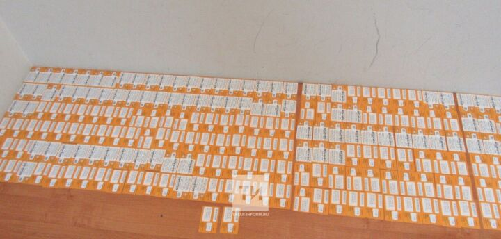 На таможне в Казани задержали пассажира из Душанбе с 400 сим-картами в багаже