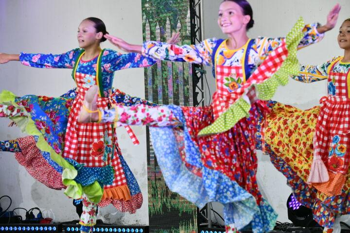 230 победителей и лауреатов «Созвездия-Йолдызлык» дали концерт в Крыму