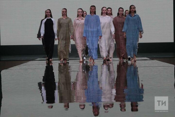 На форуме KazanSummit 2021 состоялся показ благопристойной моды