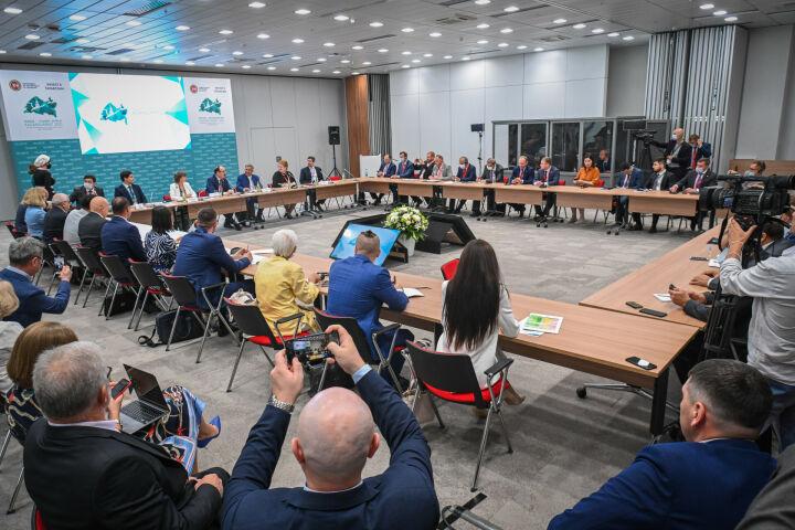 Минниханов о коридоре «Север—Юг»: Участие РТ поможет более активному развитию проекта