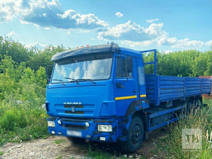 Два «КАМАЗа» и три иномарки арестовали приставы у должников по налогам из Татарстана