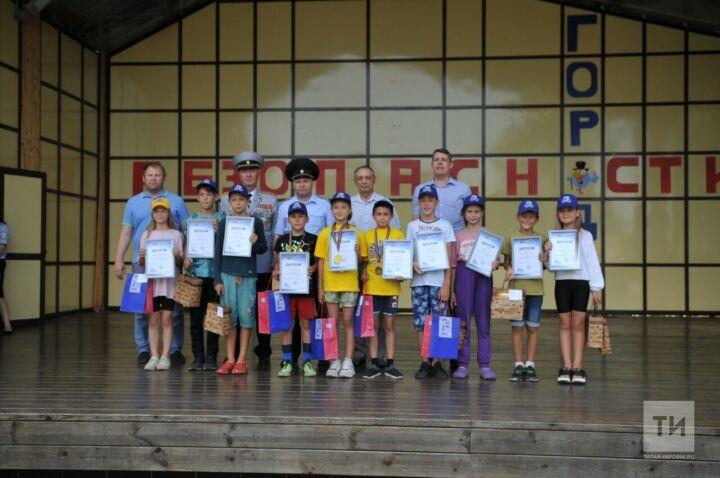 В детском лагере под Казанью наградили юных победителей конкурса «Безопасное колесо»