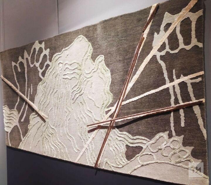 Мифология художника и аромат «Принцессы»: в Москве открылась выставка скульптур «Аю Бала»