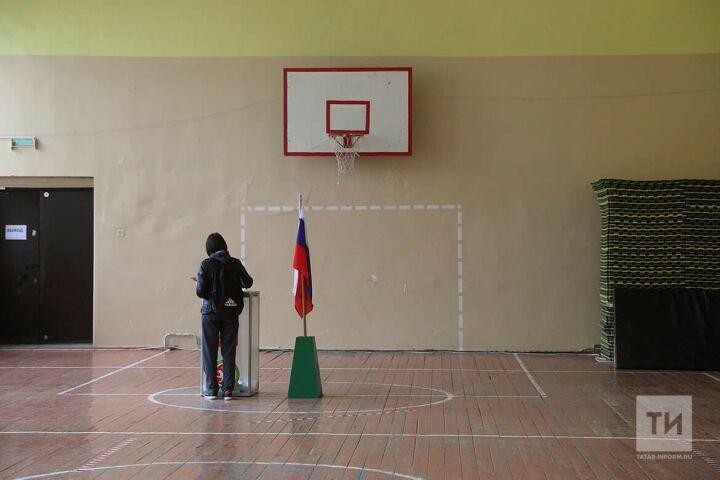 В Казани избиратели начали приходить на участки до их открытия