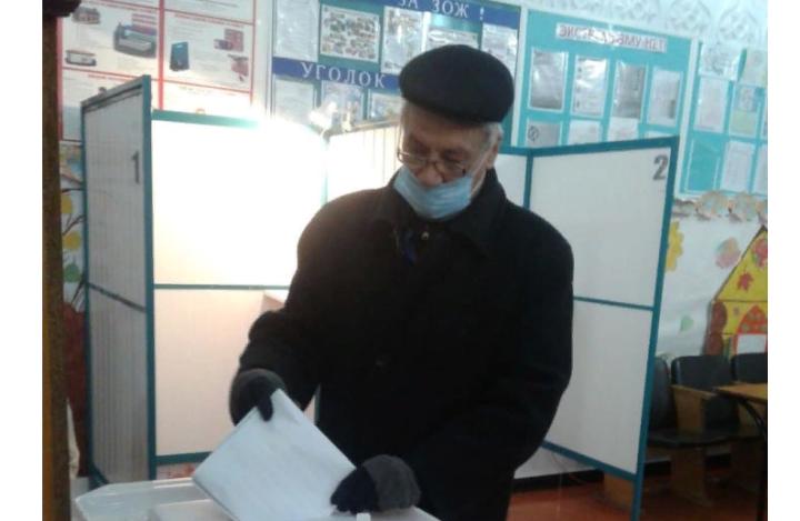 Писатель-историк Мирсай Гариф проголосовал в Азнакаевском районе РТ