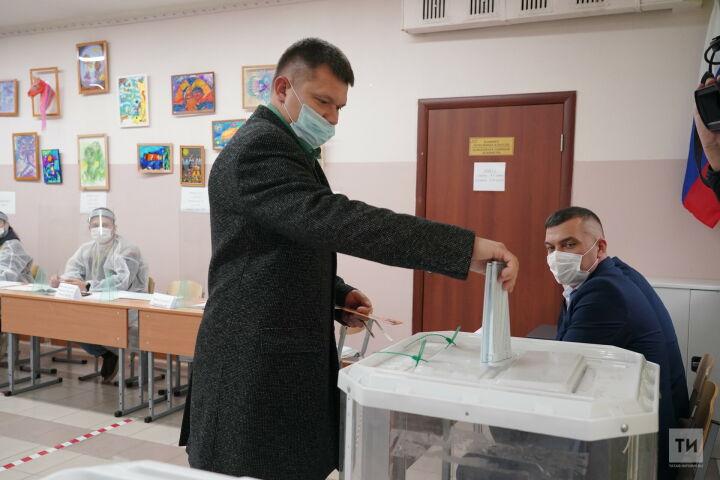 Лидер партии ЛДРП в Татарстане Владимир Сурчилов проголосовал на думских выборах
