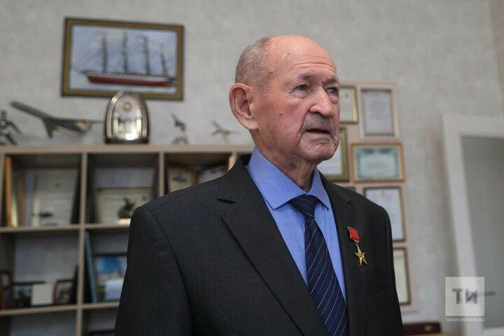 Герой Социалистического Труда Ильдус Мостюков проголосовал на дому