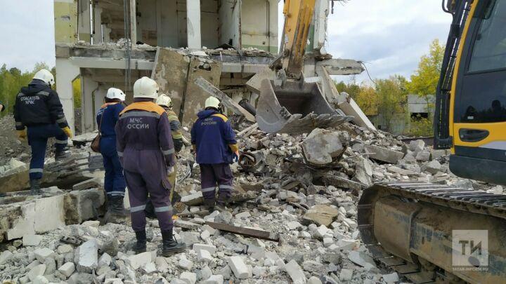 Рабочего в Казани насмерть придавило рухнувшей стеной