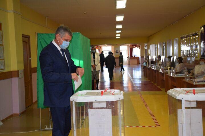 Глава Минэкологии Татарстана проголосовал на думских выборах в Нурлате
