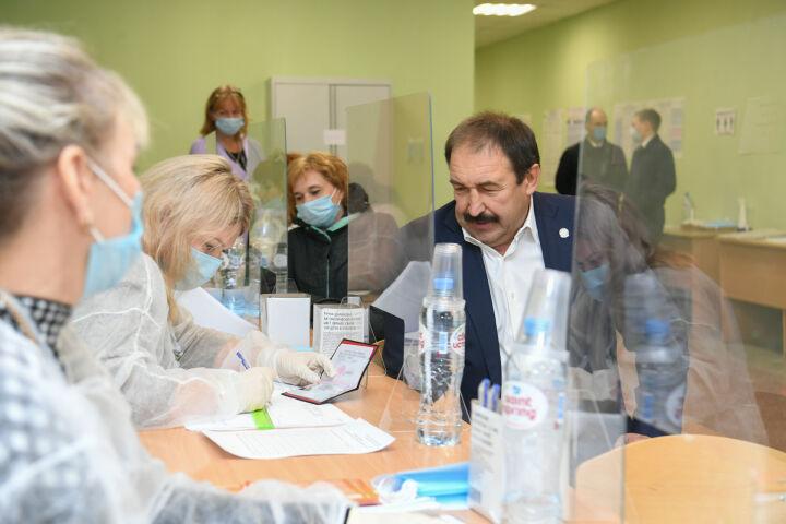 Премьер-министр Татарстана проголосовал на выборах депутатов Госдумы