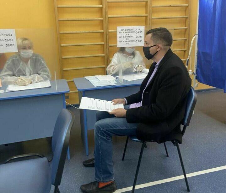 В Набережных Челнах организовали процедуру голосования для людей с нарушениями зрения