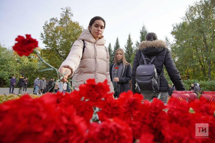 В Казани организовали мемориал в память о погибших при стрельбе в Перми