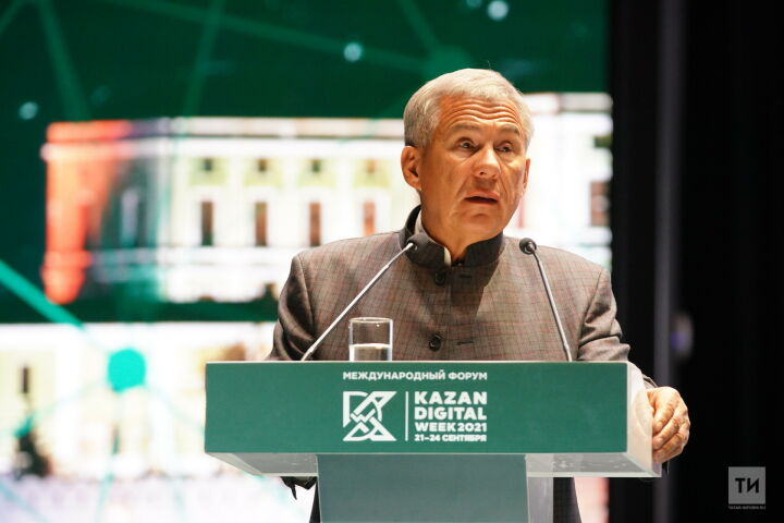 Минниханов поручил изучить разработку ИТ-парка Татарстана по защите школ и вузов от атак