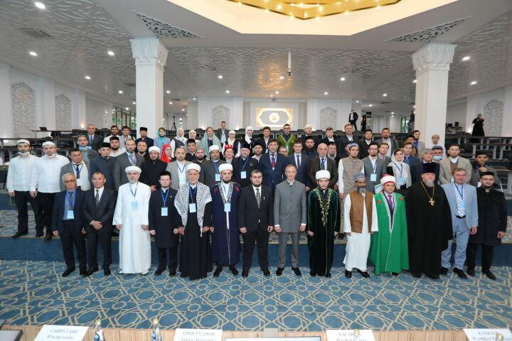 Участники исламской конференции в Болгаре решили увеличить число делегатов-немусульман