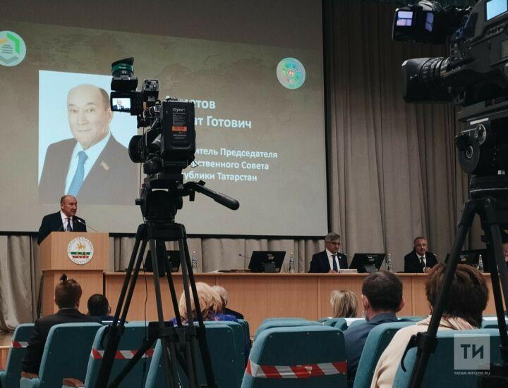 Марат Ахметов: Важно сохранить татарский язык для передачи новому поколению