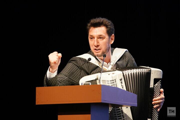 Фирдус Тямаев на «Милләт җыены» призвал татар не разделяться