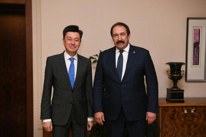 Песошин обсудил сотрудничество с новым Генконсулом Казахстана в Казани Ерланом Искаковым