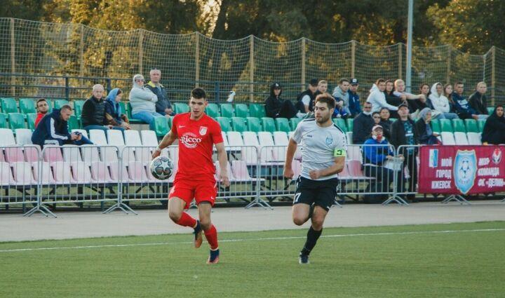 «Нефтяник» из Бугульмы и казанский «Нэфис» борются за звание чемпиона РТ по футболу