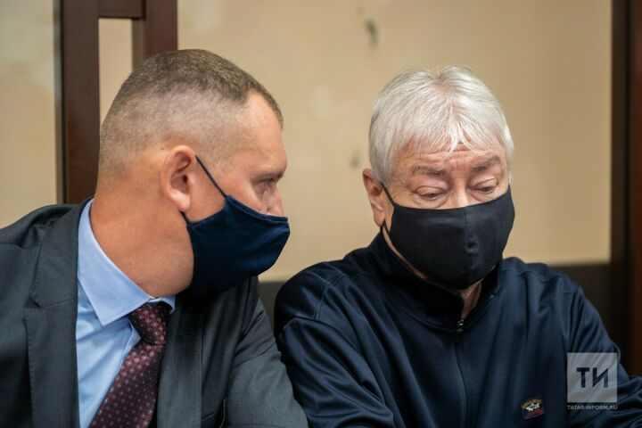 «В выдаче 19 миллиардов DOMO виновен»: итог первого дня чтения приговора Роберту Мусину