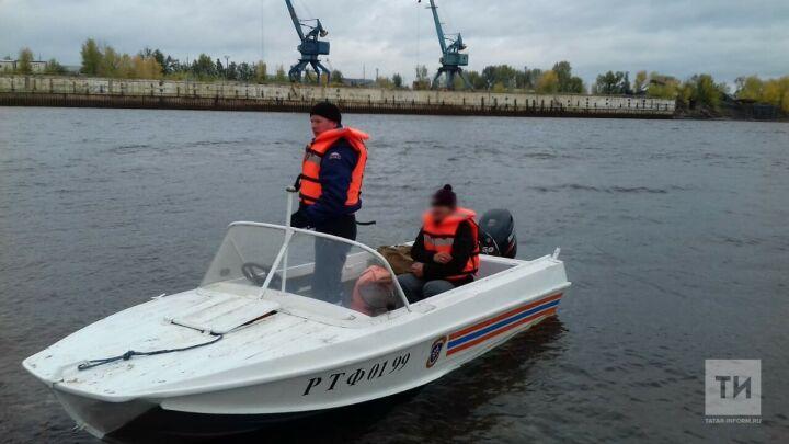 Спасатели помогли челнинцу, который не мог добраться без лодки на другой берег