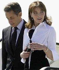 Первая леди Франции Карла Бруни беременна двойней