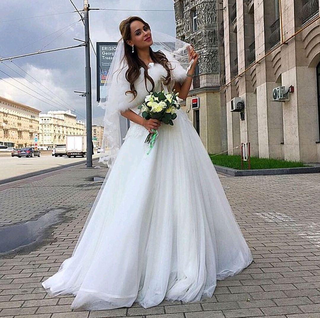 b2117a5c839 Экс-невеста Шаляпина пришла одна в загс в свадебном платье