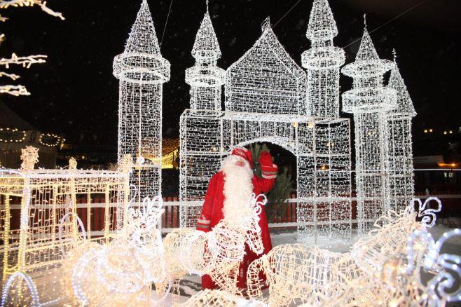 Сегодня наКремлевской набережной Казани закроется чудный городок