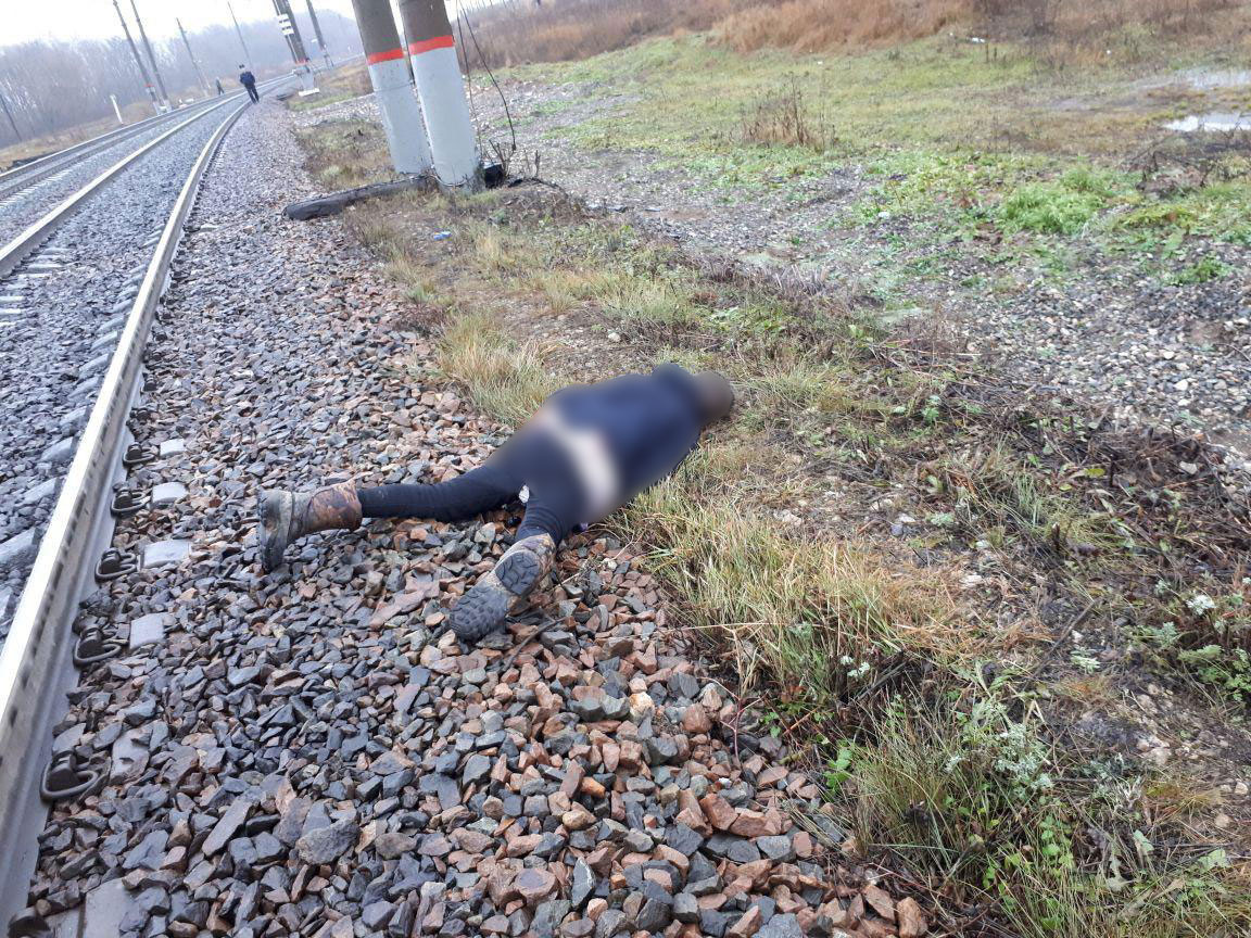 В свердловской области возбуждено уголовное дело по факту гибели трехлетнего ребенка на железнодорожных путях.