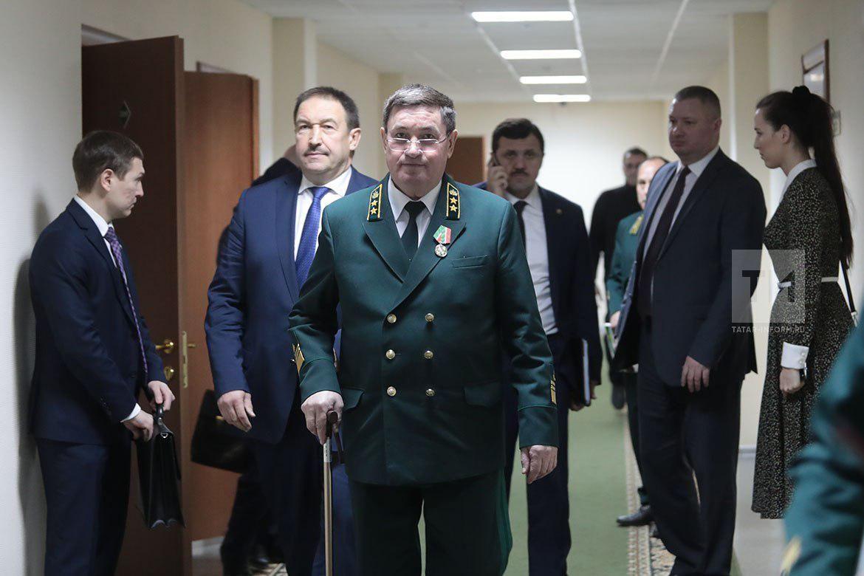 Руководитель минлесхозаРТ Алмас Назиров уходит вотставку