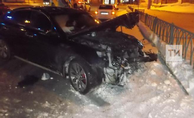 Появились фото с места смертельного ДТП в Ново-Савиновском районе Казани
