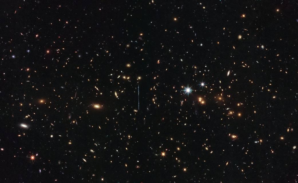 Hubble взвесил самое тяжелое скопление галактик воВселенной
