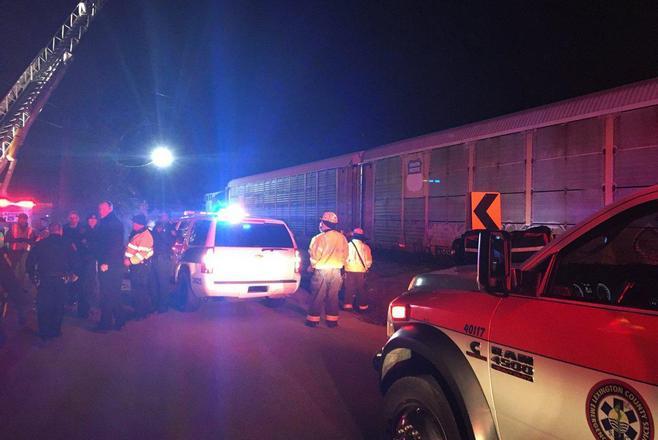 Число пострадавших при столкновении поездов вСША выросло до 70