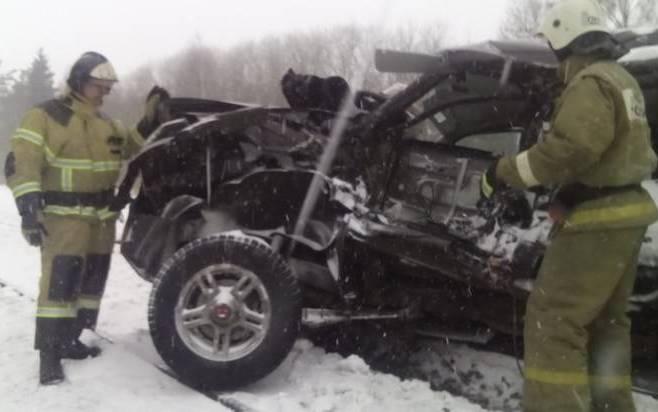 ВБрянской области при столкновении машины ипоезда погибли четверо