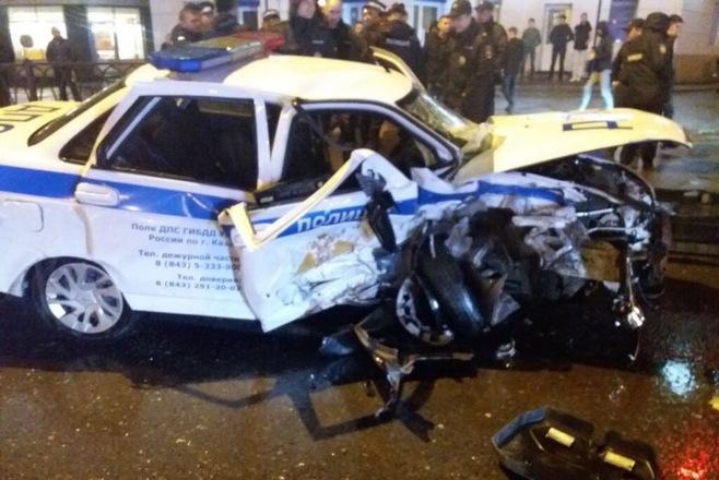 Появились фотографии смертельной аварии с участием машин ДПС и «БМВ» в Казани