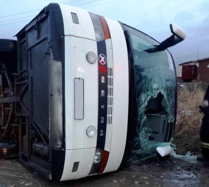 Автобус суральскими туристами перевернулся вУдмуртии