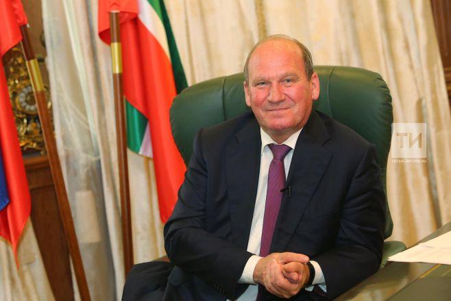 Председатель Верховного судаРТ стал заслуженным юристом РФ