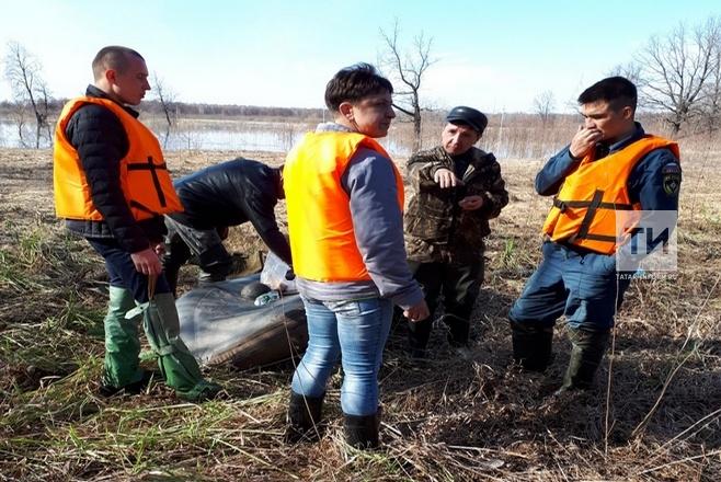 Спасатели продолжают поиски пропавшего в Агрызском районе рыбака