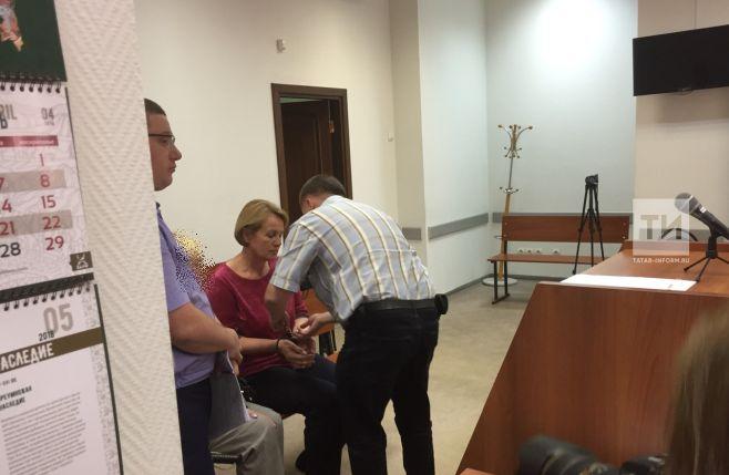 Председателя Федерации профсоюзов РТ Татьяну Водопьянову доставили в суд