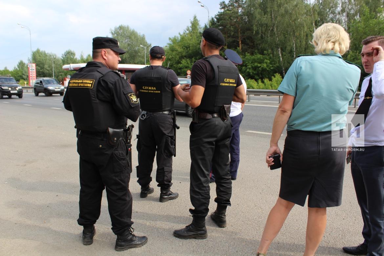 Долги приставы рт штраф был оплачен а приставы арестовали счет что делать