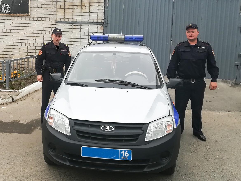 В Зеленодольске росгвардейцы задержали молодую женщину, которая зарезала  своего супруга cb24dd89bbe