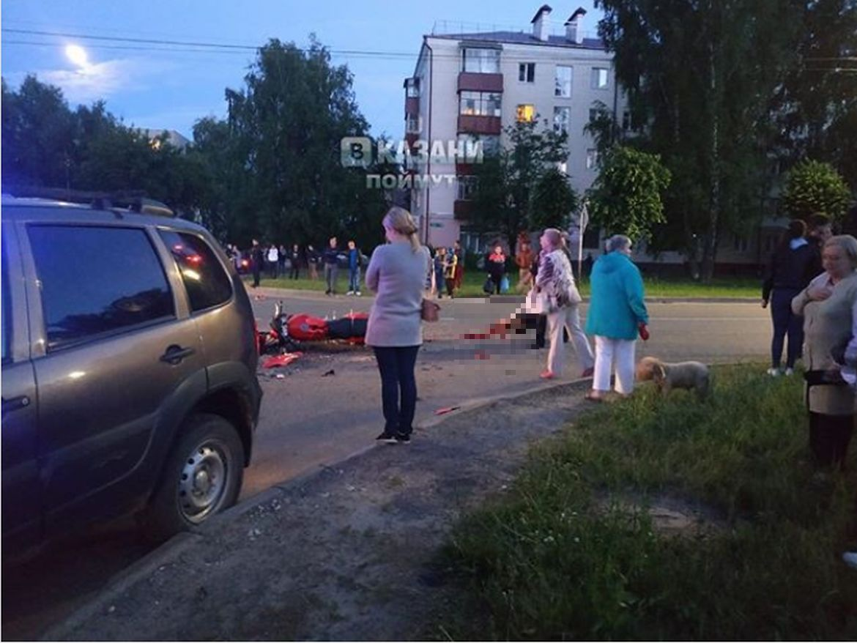 В Татарстане 19-летний мотоциклист разбился о легковушку