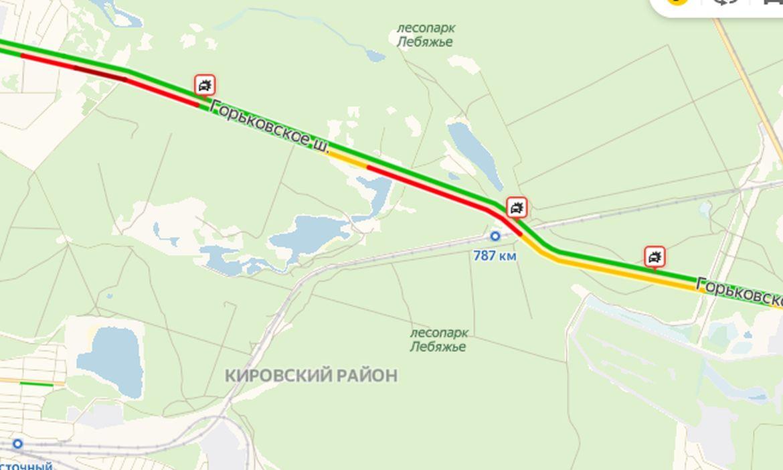 Из-за массовой аварии на Горьковском шоссе образовалась многокилометровая пробка