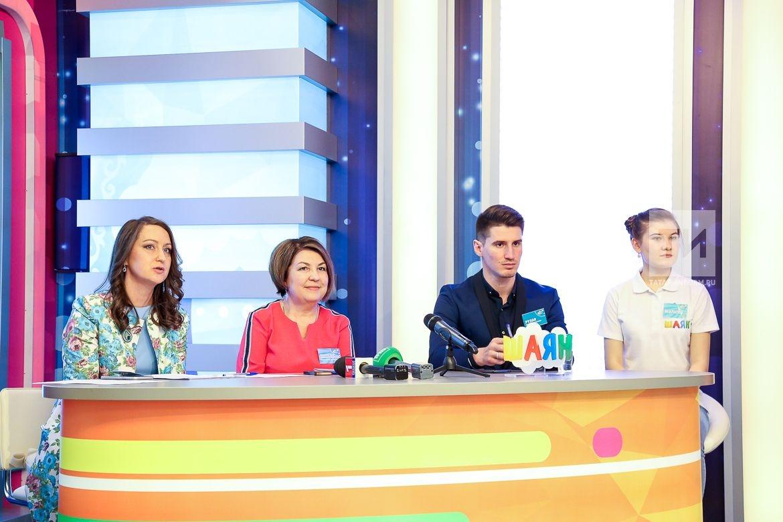 Пресс конференция Шаян ТВ с участием детей.