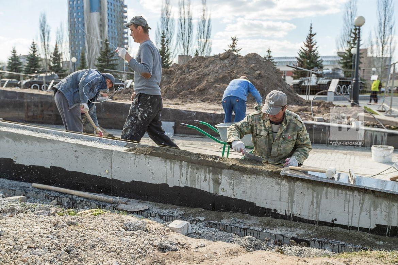 Установка памятника труженикам тыла и труда на территории мемориального комплекса в парке Победы